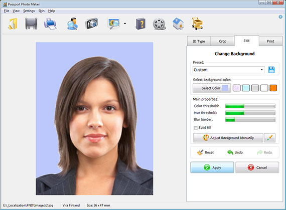 Passport Photo Maker changes the background color automatically